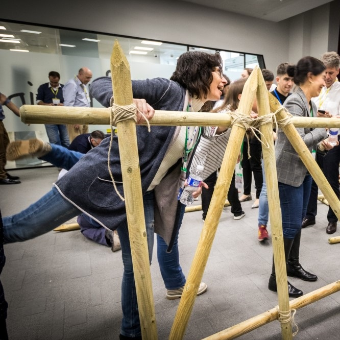 actividad teambuilding construccion de puentes